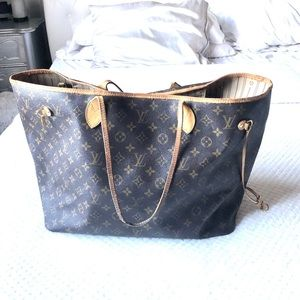 Super Well Loved Louis Vuitton Neverfull GM